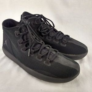 Nike Jordan Reveal Men sz 11 Black Sneaker 197-12